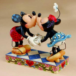 Smooch For My Sweetie-Mickey Kissing Minnie Figurine